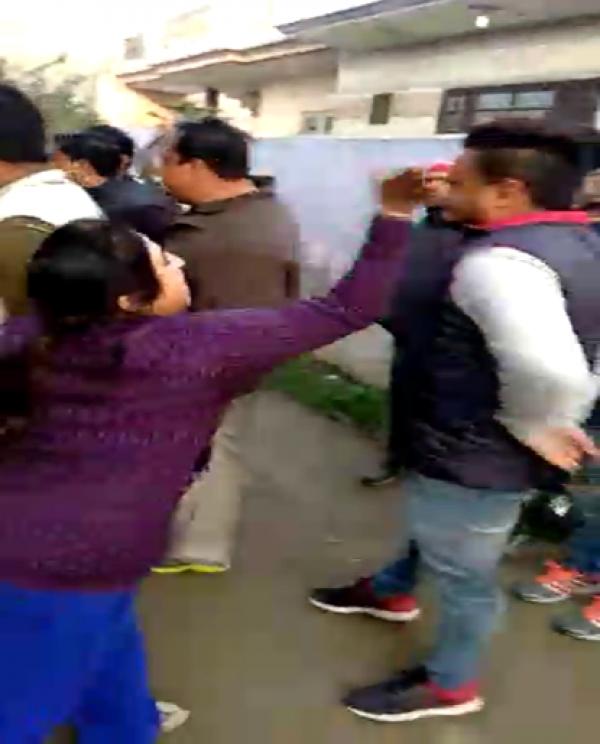 यमुनानगर : बिजली चोरी पकडने पर कर्मचारी को महिला ने जडा थप्पड