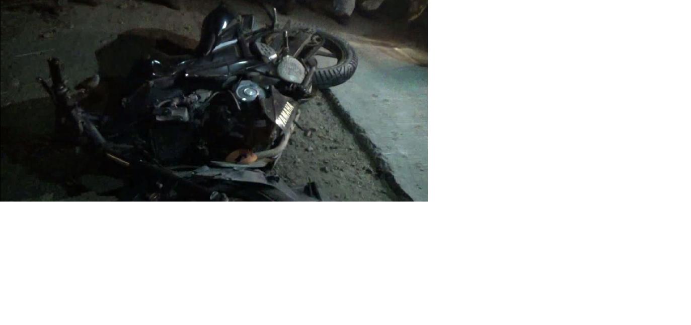 दो बाइक के आपस में टकारने से हुआ हादस, दो की मौत।