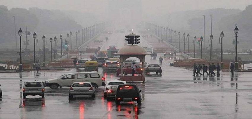 दिल्ली में मौसम हुआ सुहावना।