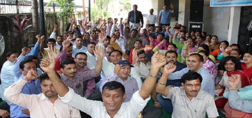 हरियाणा में आज कर्मचारियों का 'हल्ला बोल'