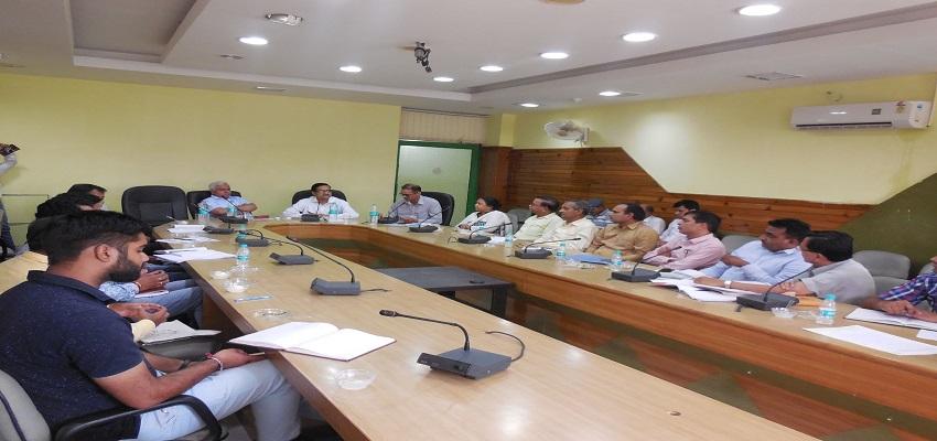 स्वच्छ भारत मिशन की गवर्निंग बॉडी की हुई बैठक।