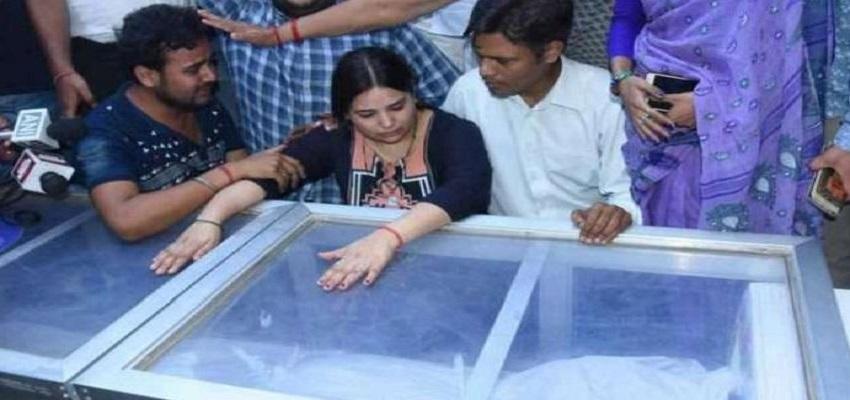 विवेक हत्याकांड पर गरमाई सियासत, CM अरविंद केजरीवाल का बीजेपी पर हमला।