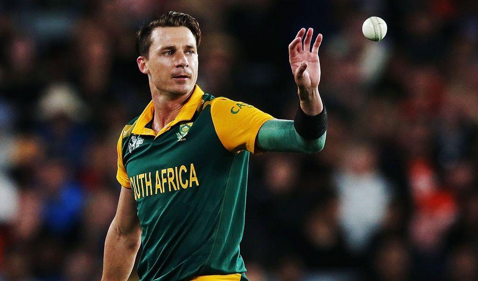 दुनिया के सबसे फास्ट गेंदबाज ने लिया टेस्ट क्रिकेट से संन्यास।