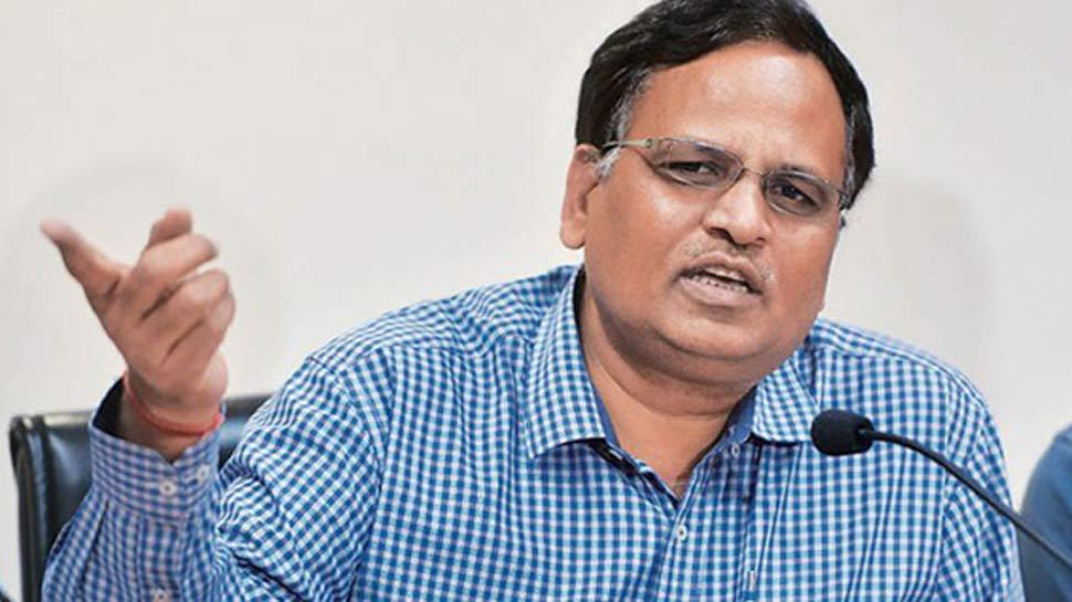 केजरीवाल सरकार के मंत्री सत्येंद्र जैन का लोगों ने किया घेराव