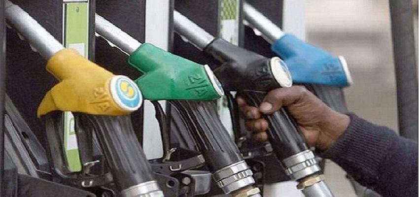 दिल्ली में 74 रुपये लीटर से कम हुआ पेट्रोल