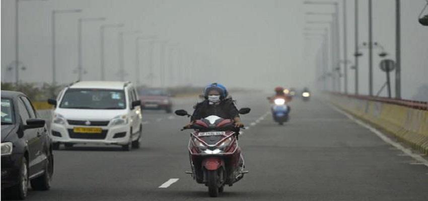 दिल्ली में नहीं आ रहा सांस !