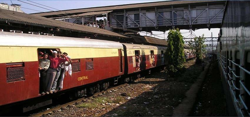 12825 यात्रियों को रेलवे ने किया गिरफ्तार