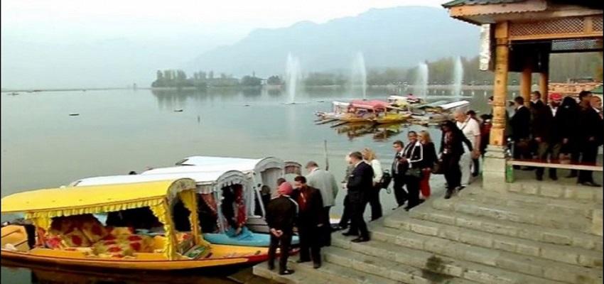 जम्मू कश्मीर दौरे पर 25 विदेशी राजनयिक