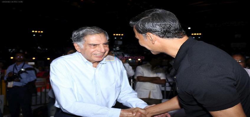 Ratan Tata And Akshay Kumar donation Update: कोरोना से जंग के लिए रतन टाटा ने 500 करोड़ और अक्षय कुमार ने दिया 25 करोड़ का फंड