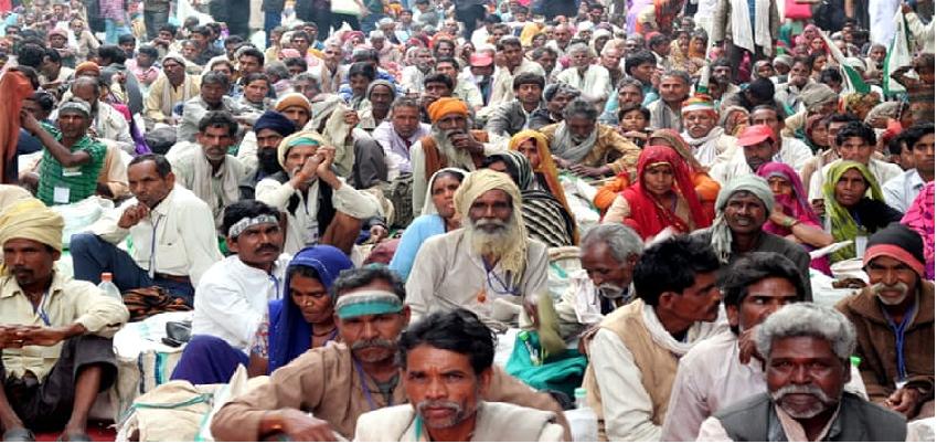 UNU Report on India in Lockdown: यूएनयू रिसर्च में दावा, लाॅकडाउन के बाद भारत में पैदा होगा गरीबी का संकट, इतने साल पीछे जाएगा देश