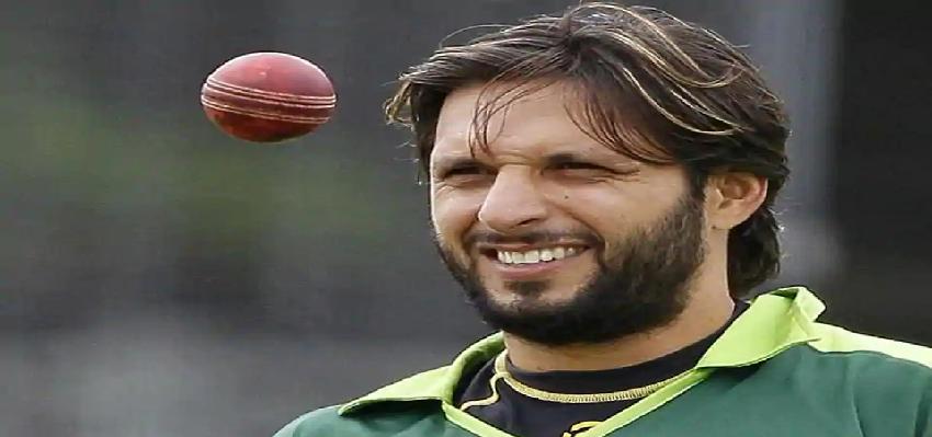 Shahid Afridi Corona Positive: पाकिस्तान के तूफानी क्रिकेटर शाहिद अफरीदी कोरोना संक्रमित, सोशल मीडिया पर दी जानकारी
