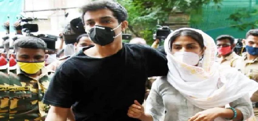 Sushant Singh Rajput Case: सुशांत केस में रिया चक्रवती से ED की पूछताछ जारी, करोड़ों की लेन-देन का देना होगा हिसाब