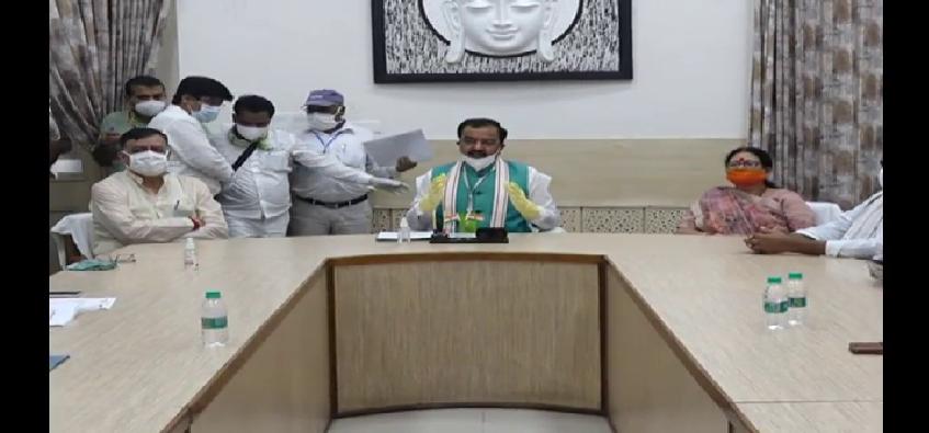 Corona Virus Meeting: कोरोना को लेकर मंथन, डिप्टी सीएम केशव प्रसाद मौर्या की उच्च अधिकारियों के साथ बैठक