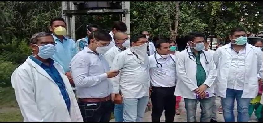 Haryana Doctor Protest: आयुष विभाग के डॉक्टर हुए बेरोजगार, गृह मंत्री अनिल विज से लगाई गुहार