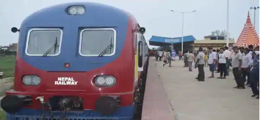 India Give Two Modern DEMU Train To Nepal : सीमा विवाद के बीच भारत नहीं भूला दोस्ती, नेपाल को दी दो आधुनिक ट्रेन