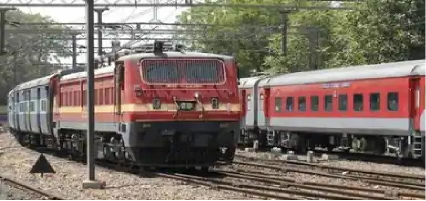 Pooja Special Trains :  रेलवे ने की 3 और पूजा स्पेशल ट्रेनें चलाने की घोषणा