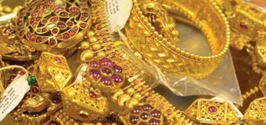 Gold Silver price:  सोने चांदी की कीमत में आई गिरावट, जानें किस भाव में मिल रहा सोना
