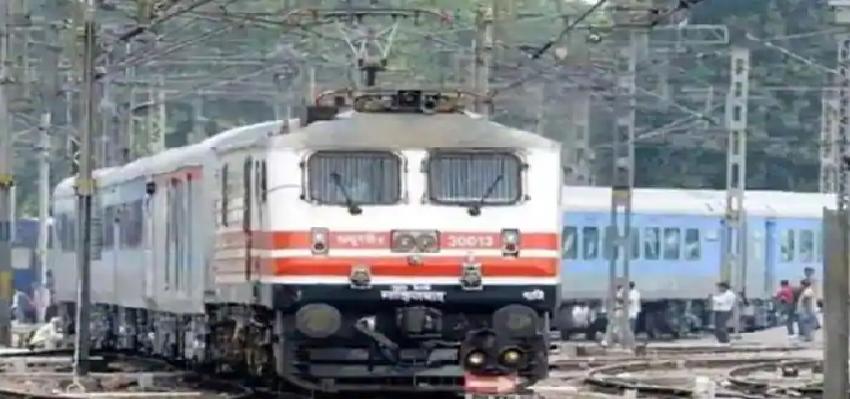 Festival Special Trains :  आज से शुरू हो रही है 392 त्योहार स्पेशल ट्रेनें