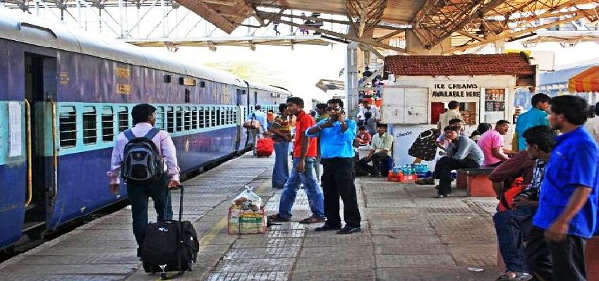 Indian  Railways :  इंडियन रेलवे का बड़ा फैसला, घर से ट्रेन तक आपका सामान पहुंचाएगी रेलवे