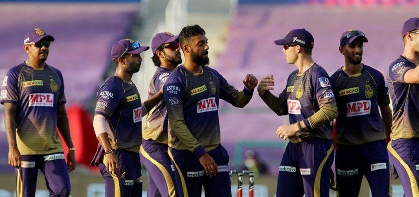 IPL 2020 : वरुण चक्रवर्ती के चक्रव्यूह में फंसे दिल्ली के बल्लेबाज