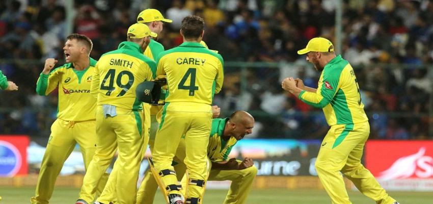 AUS vs IND: दूसरे वनडे में टीम इंडिया को मिली हार, ऑस्ट्रेलिया ने किया सीरीज पर कब्जा