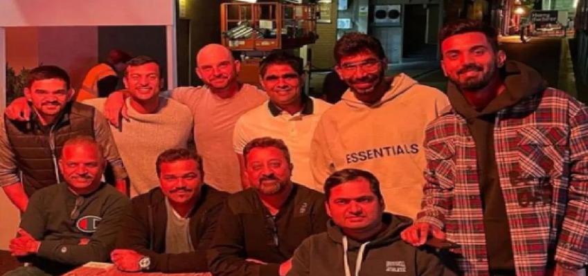 भारतीय टीम ने आस्ट्रेलिया के मेलबर्न में किया न्यू ईयर सेलिब्रेट