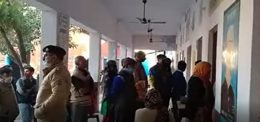 HIMACHAL: तीसरे चरण का पंचायती चुनाव शुरू, 1137 पंचायतों में किया जा रहा है मतदान