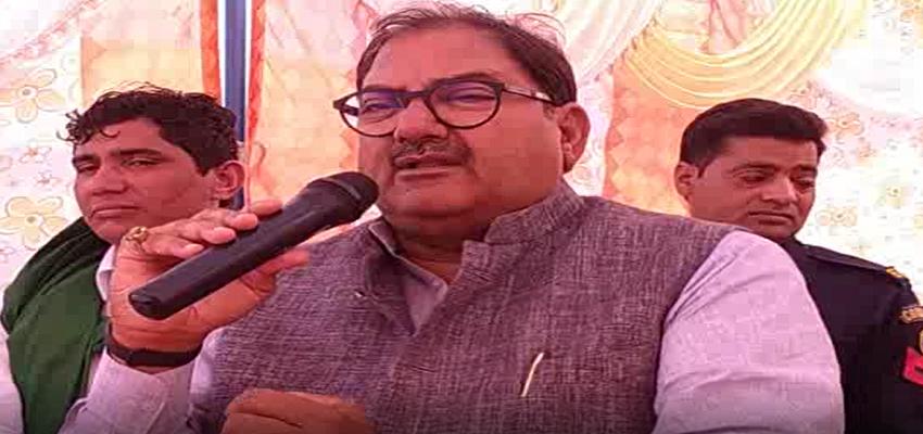 Haryana: कारपोरेट घरानों को लाभ पहुंचाने के लिए किसानों को मारने पर तुली सरकार-अभय चौटाला