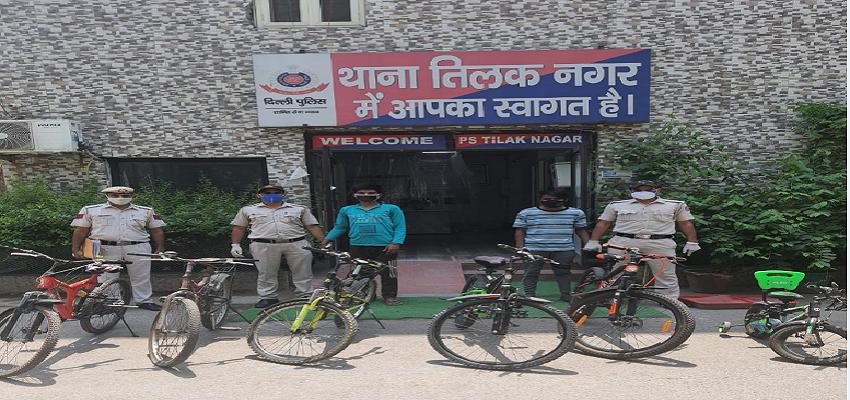 Delhi crime: दिल्ली पुलिस के शिकंजे में फंसे शातिर चोर, पढ़े पूरी खबर