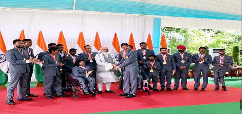 टोक्यो पैरालंपिक के पदकवीरों का पीएम नरेंद्र मोदी ने किया सम्मान