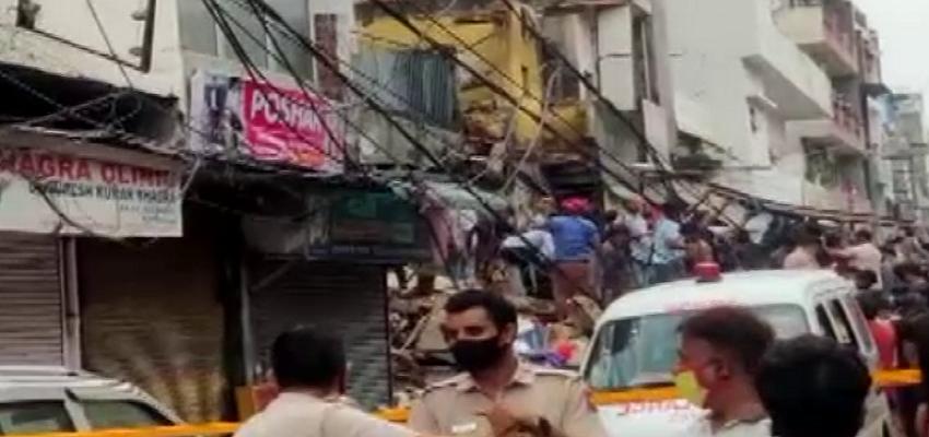 Delhi: सब्जी मंडी में इमारत ढहने से 2 बच्चों की मौत, राहत बचाव कार्य जारी