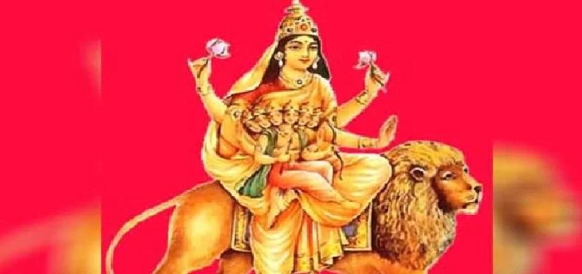 NAVRATRI 2021: नवरात्रि के पांचवें दिन इस मंत्र के साथ करें मां स्कंदमाता की पूजा, पूरी होगा मनोकामनाएं