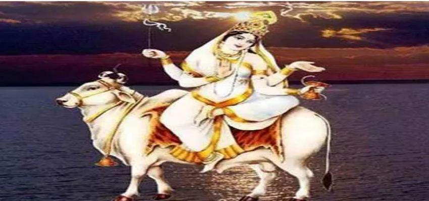 NAVRATRI 2021: मां के आठवें स्वरूप की इस मंत्र के साथ करें पूजा, पूरी होगी मनोकामना