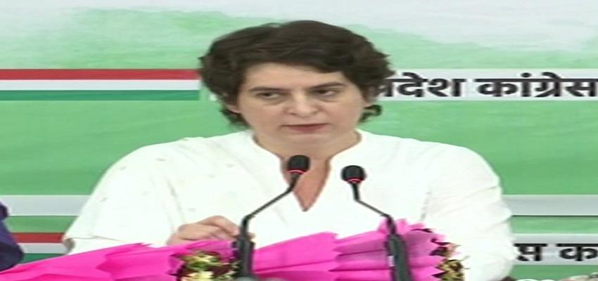 उत्तर प्रदेश में महिलाओं के साथ आगे बढ़ेगी कांग्रेस, प्रियंका गांधी का बड़ा ऐलान